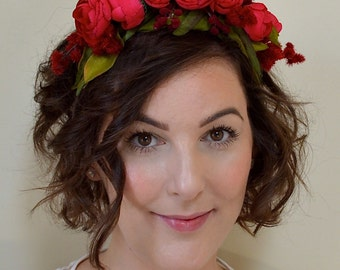 Bridal Woodland Flower Crown. Wedding Hair Crown. Bridal Flower Wreath. Bohemian Flower Crown. Flower Wreath. Red Flower Hair Accessory.