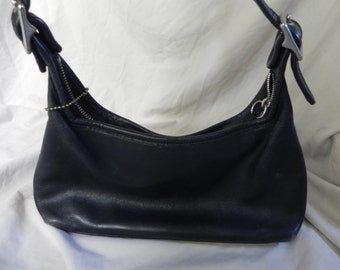1980's or 1990's Vintage Black Leather Coach Medium Hobo Purse Shoulder Bag