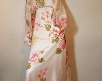 FREE  SHIPPING   1950  Floral  Gown