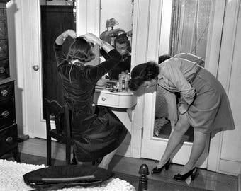Preparing For A night Out On The Town 1940s Photo