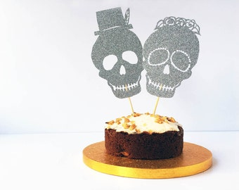 Cake Topper Skulls / Day of the Dead Wedding / Sugar Skull Decorations / Gothic Wedding / Glitter Skull Topper / Bride and Groom / Goth Cake
