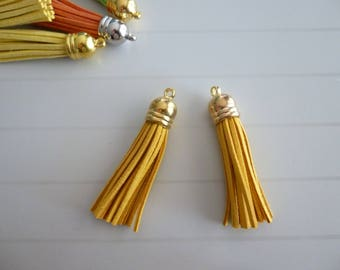 Set of 2 tassels 6 centimeters suede charm