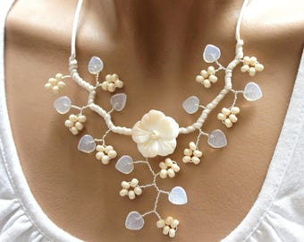 White Flower necklace natural Pearl