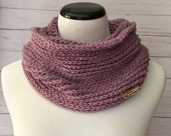 Luxury Faux Knit Infinity Scarf in Lilac, crochet scarf, crochet infinity scarf, crochet cowl
