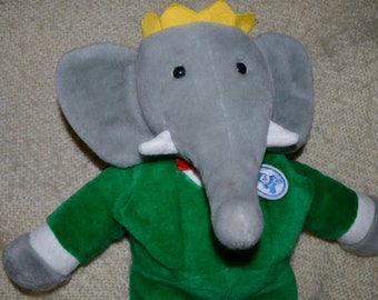 """BABAR 18"""" Ear to Foot. Babar Characters """" 1990 """"  Original Tag. AJENA NOUNOURS, Sign. Green Velveteen Suit, Wht. Trim, Red Tie, Yellow Crown"""