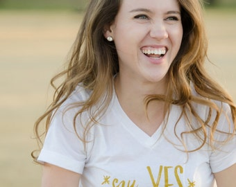 Say Yes To Adventure Women's Graphic Tee/Tank