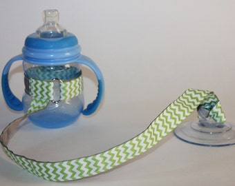 Sippy Cup Leash, Sippy Cup Strap, Suction Sippy Strap, New Baby Gift, Christmas Gift - Green Chevron