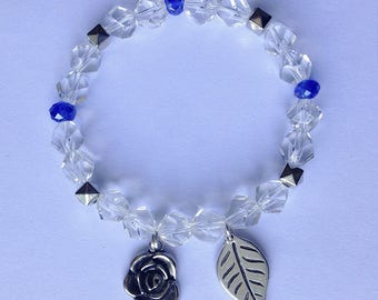Bracelet with beads and little rose and leaf
