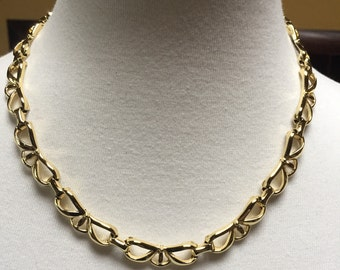 Gold Tone Bow Shaped Choker Necklace 18""