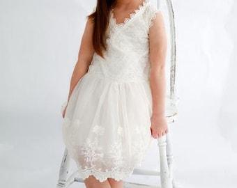 Girl Lace Dress, Country Wedding Dress, Tulle Flower girl Dress, Rustic flower girl dress, Shabby chic dress, Birthday Girl Dress