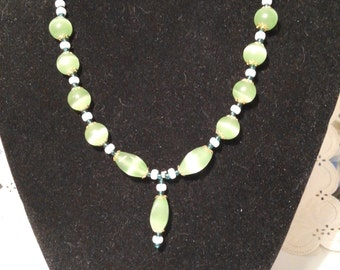 Green and white necklace / choker