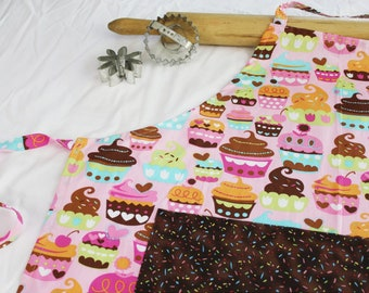 Sweet Cupcakes Adult Apron - pink with sprinkles pocket