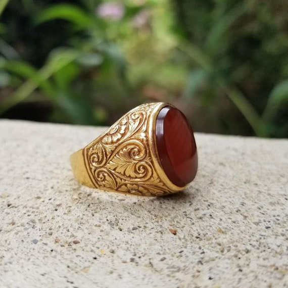 Antique Italian 18k gold hand chased carnelian statement ring, size 9-3/4, Italy, pre 1938 hallmark