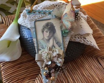 Mother's Day Gift - Mother's Day Ornament - Victorian Mom - Birthday Gift - Queen Gift
