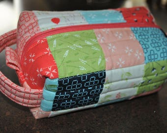 Patchwork Boxy Zipper Pouch, mini charm and charm friendly, three sizes, quick and easy