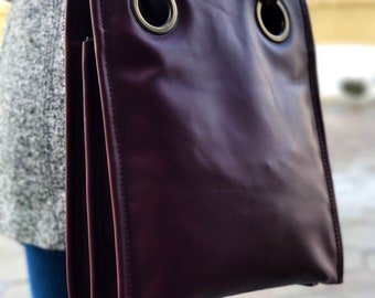 Woman leather bag, practical bag for every day