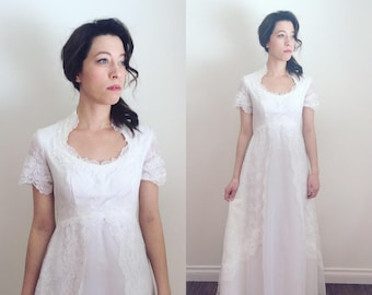 Vintage 1970s Lace Short Sleeve Wedding Dress | Vintage 70s Lace Wedding Gown Size Small
