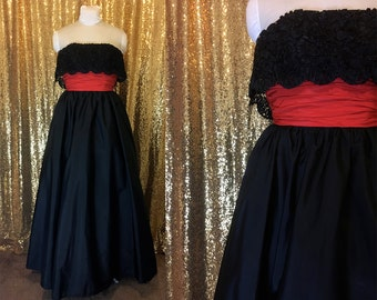1960s Vintage Gown // Alternative Wedding Dress // Full Length Black Taffeta Tulle Strapless Prom Dress // Goth Steampunk Prom