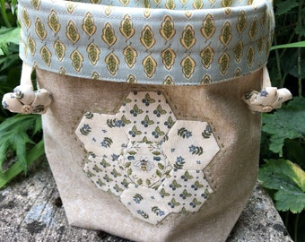 Bumble Bee Flower Garden Project Bag, Knitting Accessory, Crochet Accessory