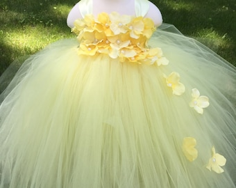 Light yellow flower girl tulle dress, yellow hydrangea girls tulle dress, easter light yellow girls wedding dress, yellow wedding