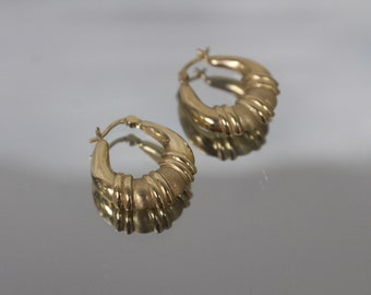 14k - Fancy Ribbed Hoops with Satin & Gloss Finish in Yellow Gold
