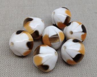 10 Vintage Golden Caramel White Metallic Lucite Beads 14mm
