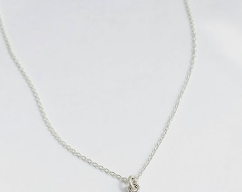Minimalist Delicate Rose Cut Green Amethyst Necklace. Delicate gemstone necklace. Delicate Amethyst Necklace. Delicate jewelry.