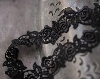 2.5cm black little rose venise lace trim or applique