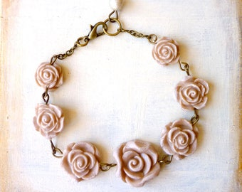 Flower Bracelet - Shabby Chic Bracelet - Bridesmaid Bracelet - Peach Gray Nude Pink - Pearls