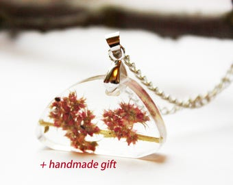 Real flower necklace Pressed Dainty Real plant Epoxy resin Pendant Floral Terrarium Wild Botanical jewelry Gift for her Mothers day gift Eco