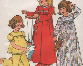 Girls Vintage Robe, Pajamas & Nightgown, Size 3 4 or Size 5 6 Sewing Patterns 1970s