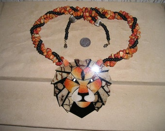 Vintage Unsigned Lee Sands Lion Head Necklace Inlaid Coral  Big Cat 1970's Jewelry 7033