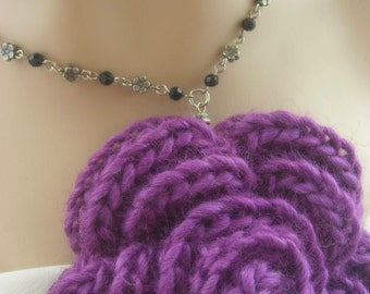 Black Crystal Flowers Necklace. Purple. Yarn.