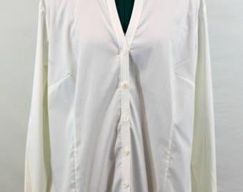 White Cotton Blend Blouse by Chicos. Fall blouse, white top, cotton top, versatile top, v-neck blouse, v-neck top