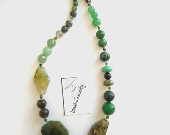 Green natural stone necklace, gift for her, handmade.