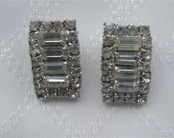 Vintage Rhinestone Earrings /  Bridal Wedding Jewelry / Estate Jewelry / Baguette Stones / Midcentury Jewelry / Prom Earrings / Collectible
