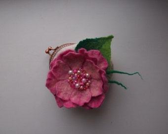 valentine's gift Felted wool purse-Felt bag-Felted purse-Felt handbag-Wool clutch-clutch bag-white pink flower