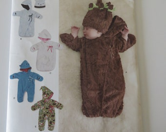 Simplicity 8030- Infant/Baby/ Boy and Girl - UNCUT Bunting and Hat XXS, XS, S