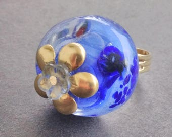 Aquatic including mouse and fried - embossed flower ring