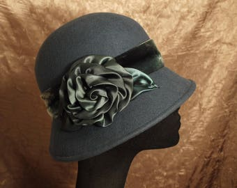 Ombre Swirl Rose Vintage-Style Cloche Hat