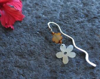 Bookmark silver metal, Pearl flowers