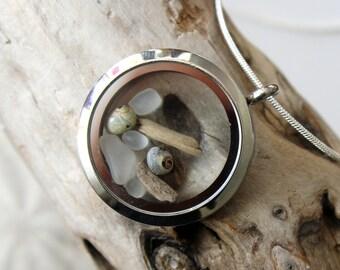 Driftwood locket, driftwood necklace, ocean locket, sea shell necklace, locket, sea glass necklace, sea glass, sea glass pendant, drift wood