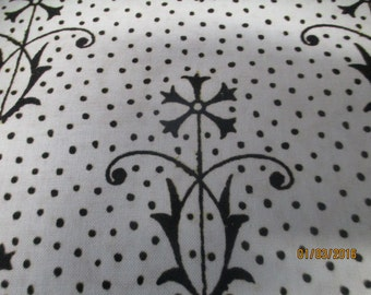 Letter Stitch coordinate white with black by Quilting Treasures
