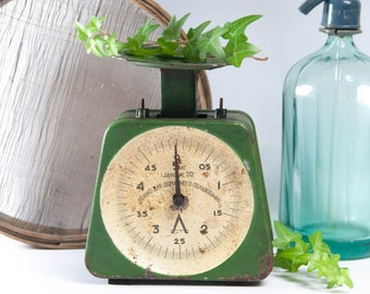 Vintage kitchen scale, green kitchen scale, countertop scale, metal scale, rustic scale, industrial kitchen scale, vintage store display