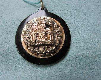 Peruvian Gold Pendant 14 Karat Gold Vintage