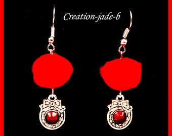 Dangling earrings - PomPoms red crowns - fantasy Christmas