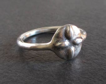 Rustic quatrefoil sterling silver ring / artisan ring / small ring / ancient ring / rustic ring / medieval ring / stackable ring