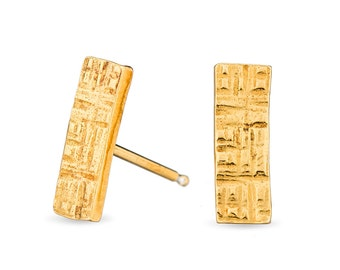 Gold plated hammered rectangle bar sterling silver stud earrings
