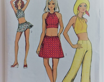 Style vintage 1970's sewing pattern 3649 - Misses' top, trousers and skirt in two lengths with attached briefs
