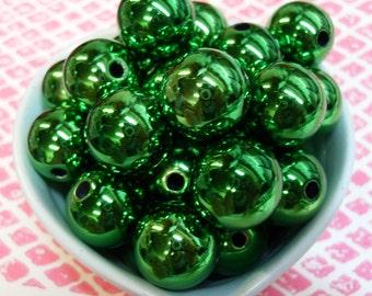 10x 18mm Green Metallic Globe beads .. Christmas Bauble Beads